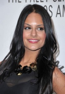 Pia Toscana is voted off American Idol!
